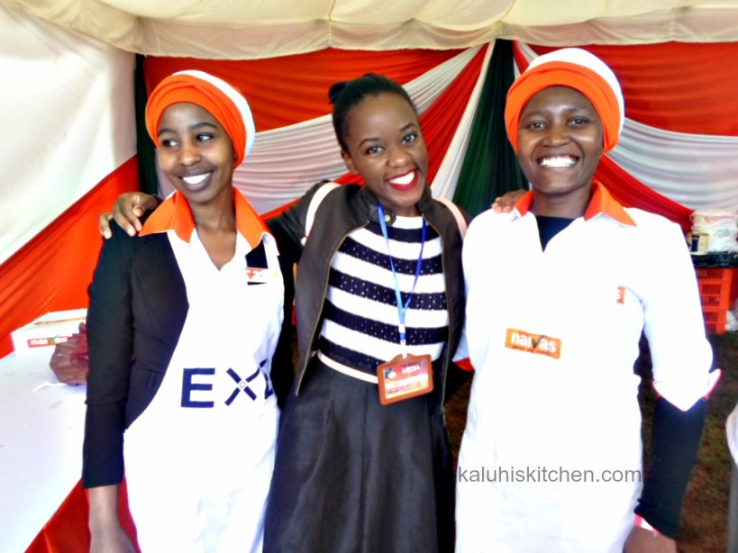 Kenyan Food Bloggers_KALUHIS KITCHEN_Kaluhi Adagala with the bakers from Naivas at the cake festival 2015