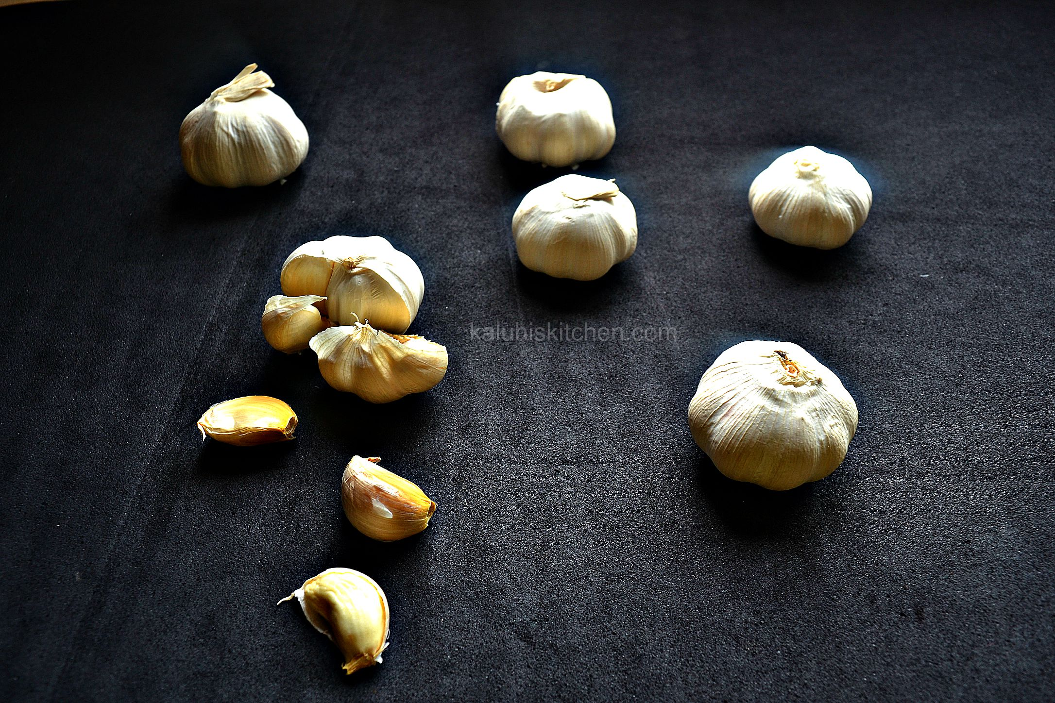 garlic_kaluhiskitchen.com_one of the most reliable ingredient in the kitchen if you are looking to upgrade the taste of your dish.