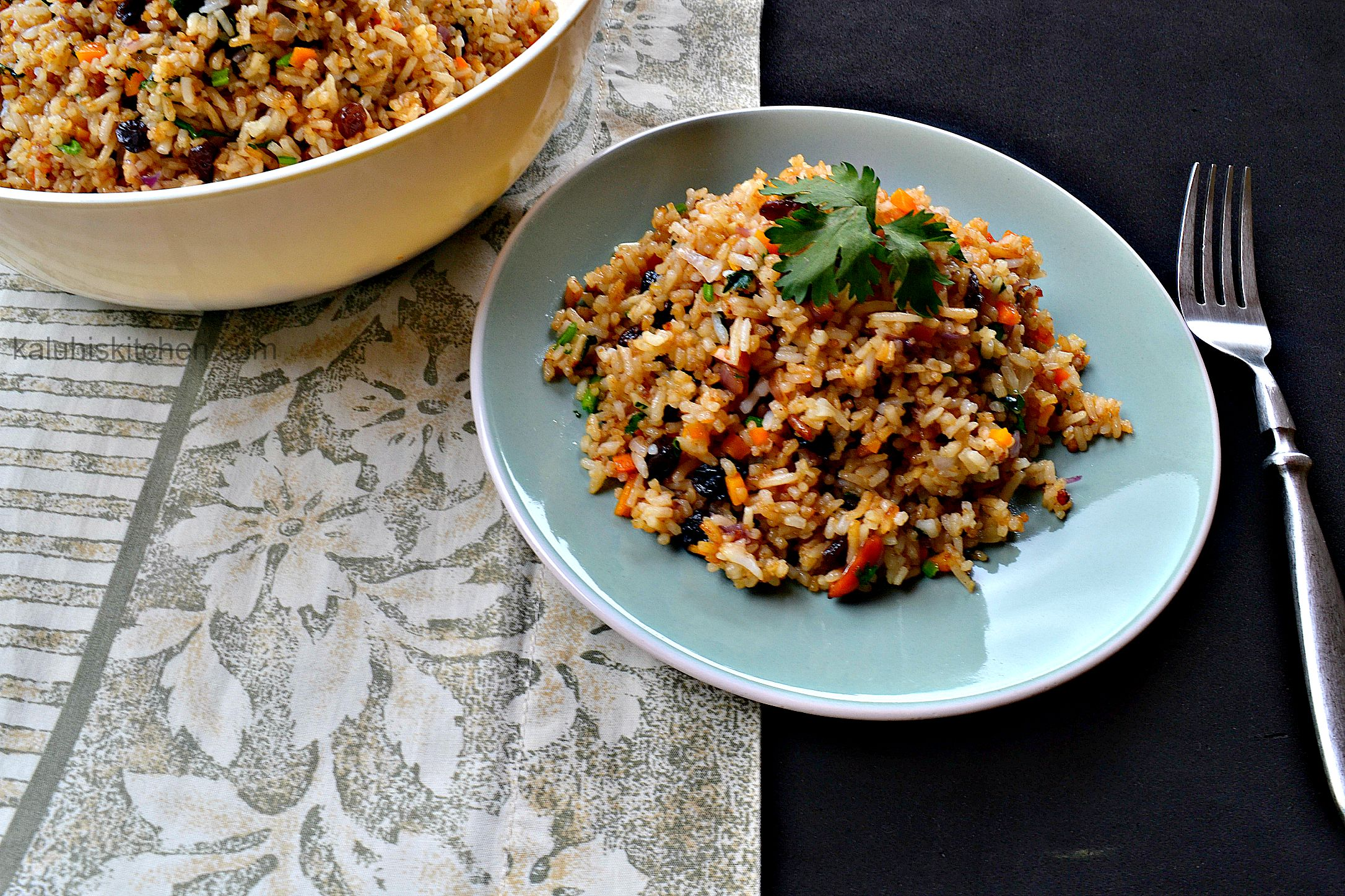 kenyan food blogs_best kenyan food blog_how to make fried rice with carrots and raisins_kaluhiskitchen.com