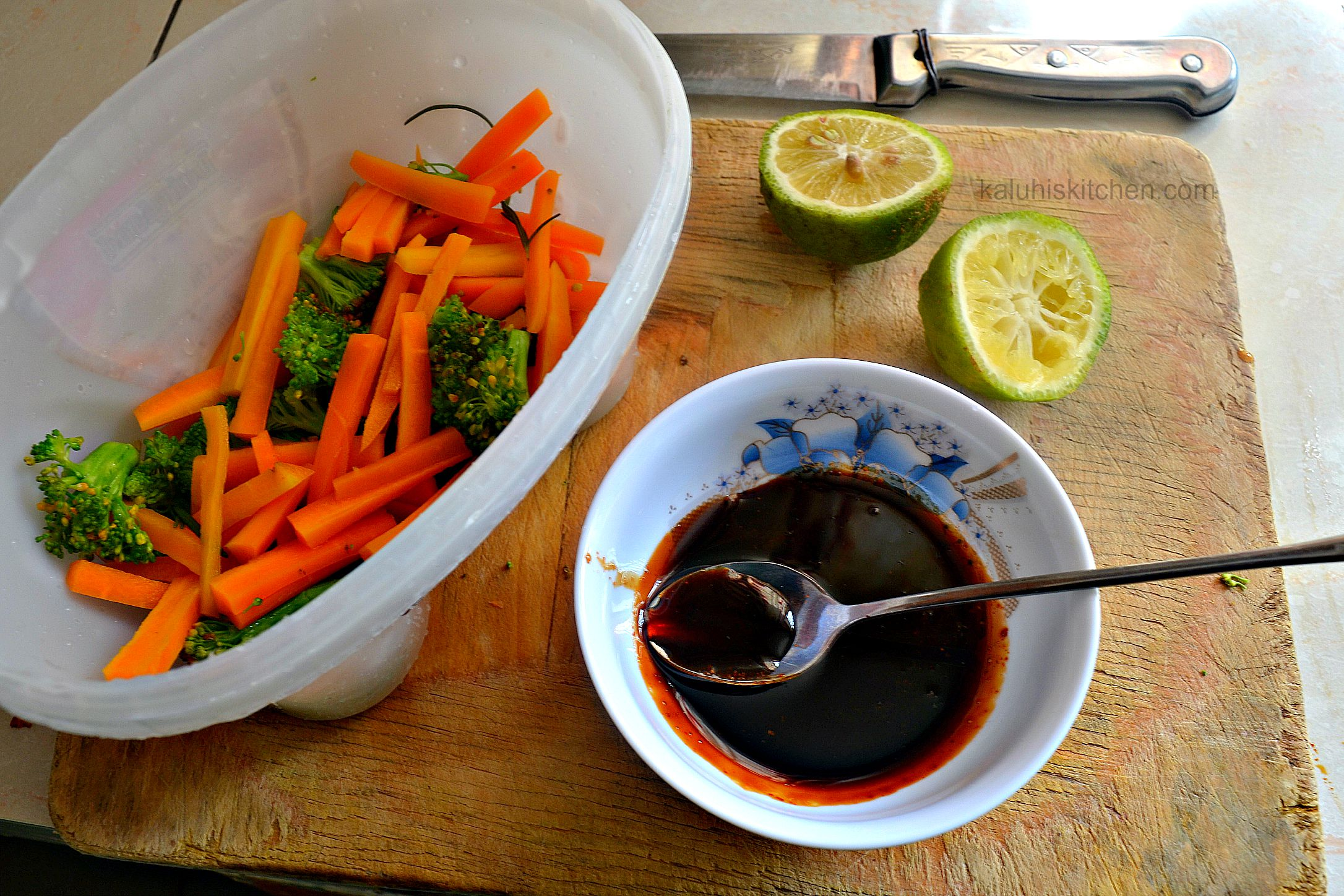 steamed broccoli and carrots for retain the oringinal color and nutrients of the vegetable_kaluhiskitchen.com