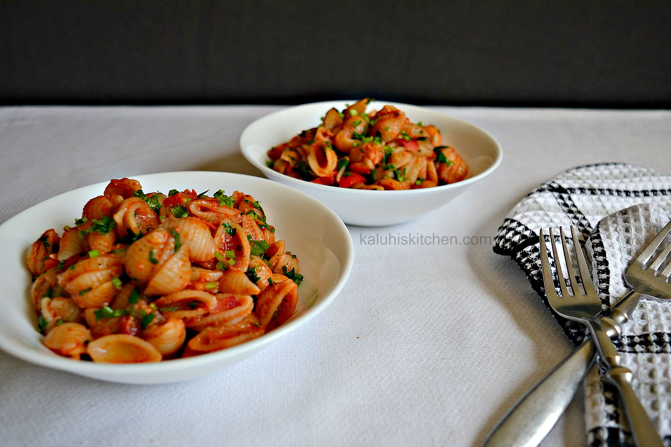kenyan food bloggers_top kenyan food bloggers_red wine and tomato cheesy pasta_kaluhiskitchen.com