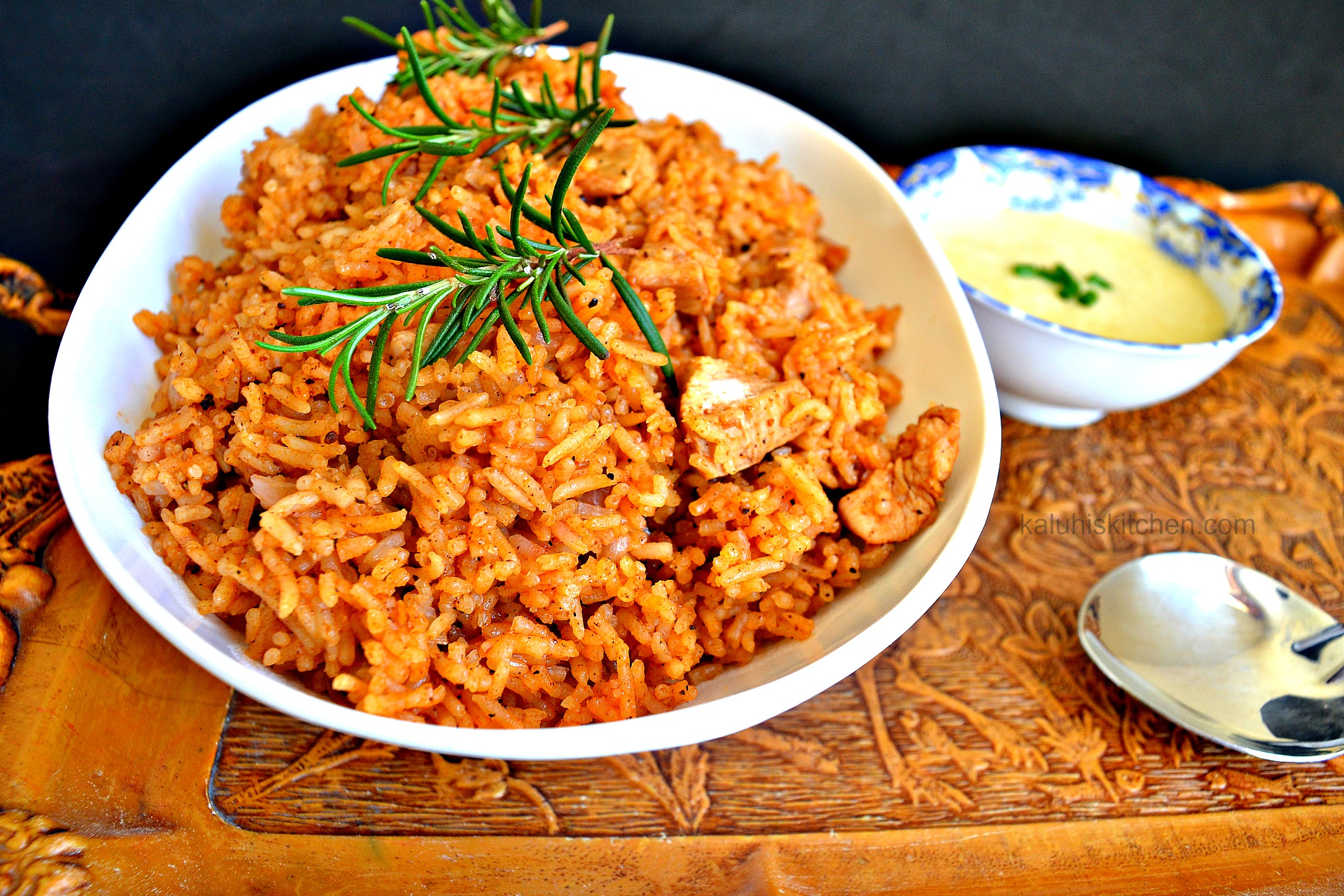 chicken pilau with garlic sauce