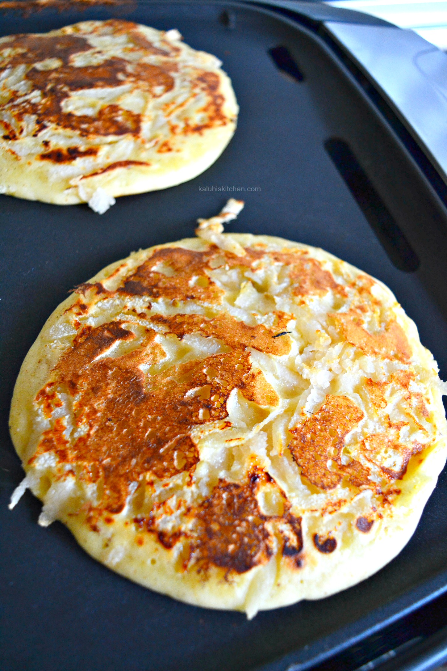 allow the pancake to sit on your pan for abot 5 minutes on each side to allow it to completely cook through_kaluhiskitchen.com_nutmeg and pear pancakes