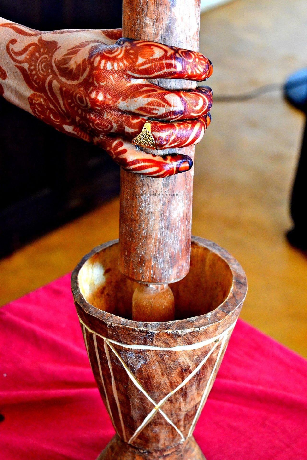 Kenyan culture_henna_kinu_pestle and mortar_Lamu food Festival_kaluhiskitchen.com_faluda